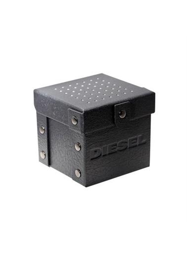 Diesel Diesel Dz4510 Çelik Kayışlı Kadranlı Erkek Kol Saati Füme